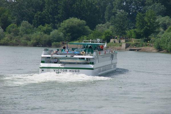 Foto: Lijepa naša Sava / Riječni cruiser