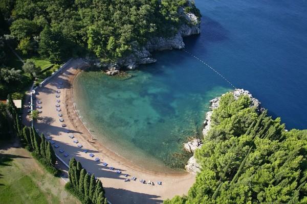 Foto: Montenegro travel / Kraljičina plaža, Budva