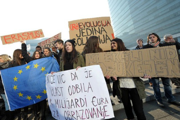 """""""Pozitivno"""" nazadovanje: europske pohvale bh. elitama"""