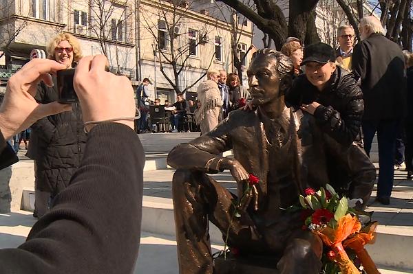 Foto: N1 info / Otkrivanje spomenika Borislavu Pekiću