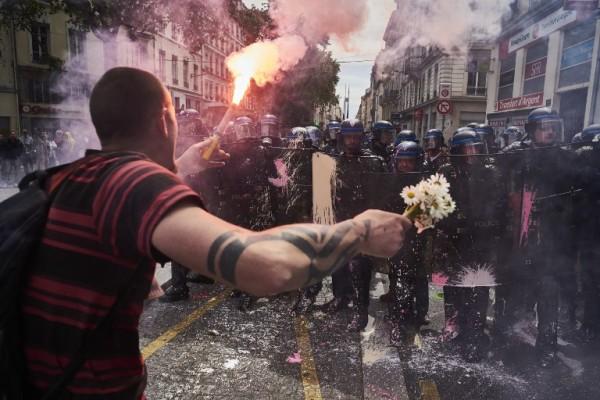 Foto: AFP / Jean-Phillipe Ksiazek (Prosvjed protiv promjene Zakona o radu u Lyonu 26.5.2016.)