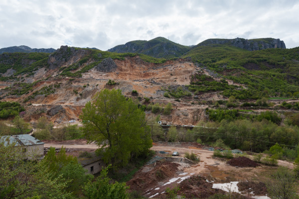 Foto: WIkipedija / Rudnik kroma u Albaniji