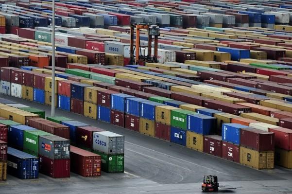 Foto: AFP / Aris Messinis / Grčka luka Pirej u koncesiji kinsekog COSCO-a