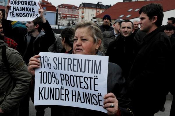 Foto: APF / Armend Nimani / Prosvjed protiv povećanja cijena struje na Kosovu 2013. godine
