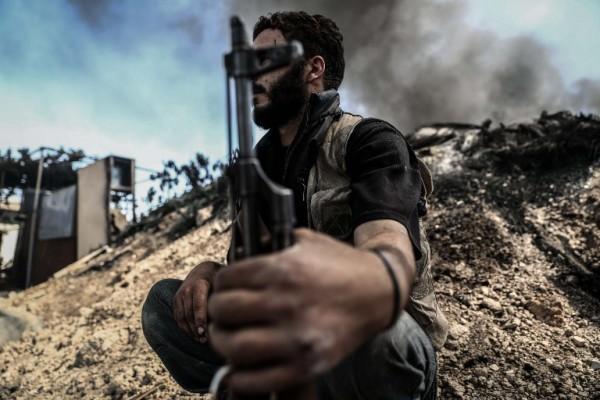 Foto: AFP / Sameer Al Doumy / Rat u Siriji