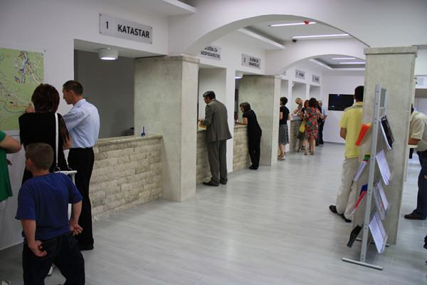 Foto: Zgrada Općine u Širokom Brijegu, www.sirokibrijeg.ba