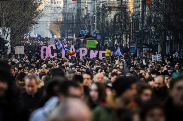 Protest, performans, (a)politika