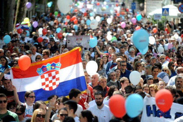 "Foto: AFP / Stringer / ""Pro-life"" prosvjed u Zagrebu"