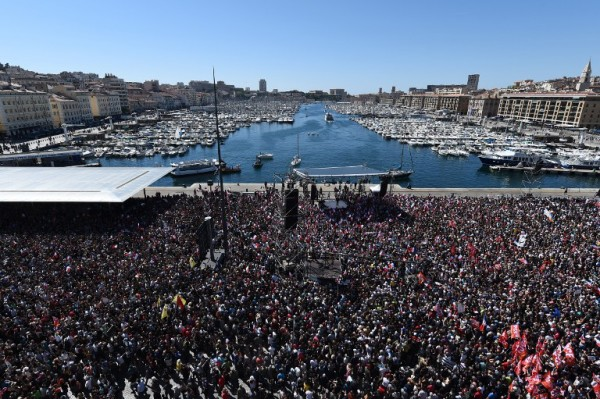 Foto: AFP / Boris Horvat (Jučerašnji predizborni skup Jean-Luc Melenchona u Marseilleu)