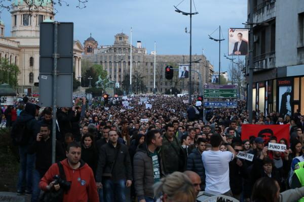 "Protesti protiv ""diktature"""