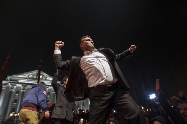 Foto: AFP / Robert Atanasovski / Zoran Zaev slavi pobjedu na izborima, decembar 2016. godine.