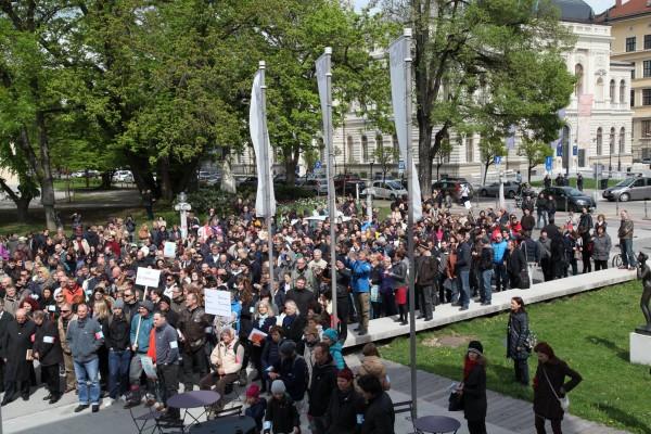 Slovenska znanost na cesti