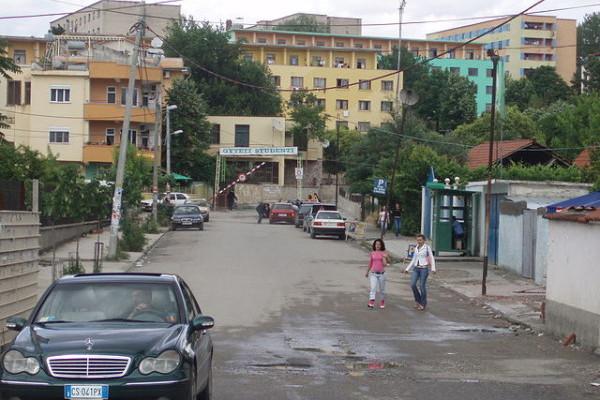 """""""Mrkva i batina"""": albanska potraga za porezim sustavom najpogodnijim kapitalu"""