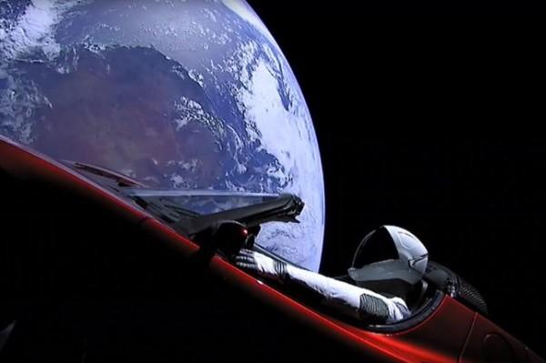 Elon Musk, prvobitna akumulacija u svemiru i ljevica