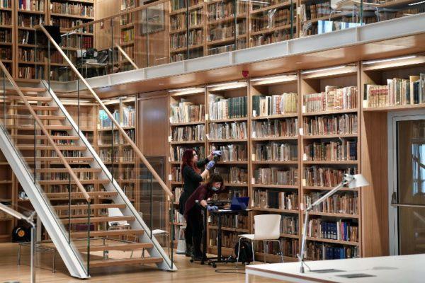 Tržište kuca na vrata javnih knjižnica