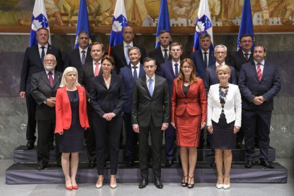 Desna vlada lijevog centra
