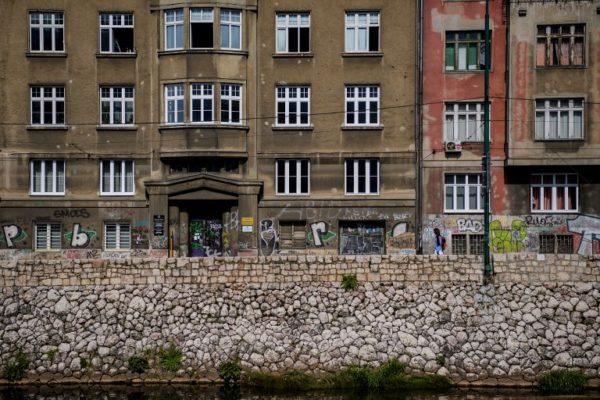 Od đul-bašče do tempirane bombe: sarajevska deponija i smrad infrastrukture u raspadu