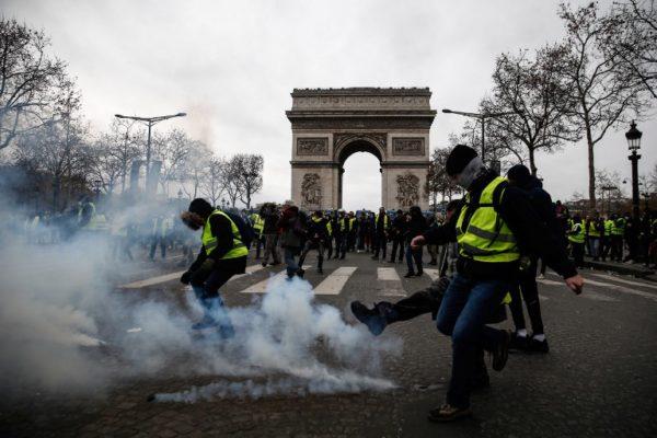 Žuti prsluci su razbili lažnu opreku razumni političari/populisti