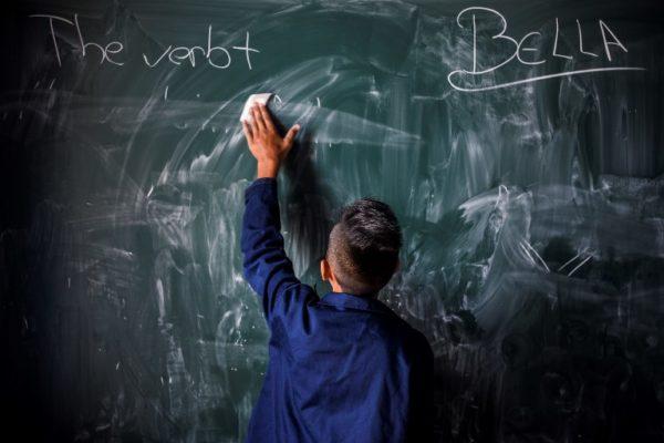 Uspjeh štrajka: nastavnicima na Kosovu plaće rastu za 30%
