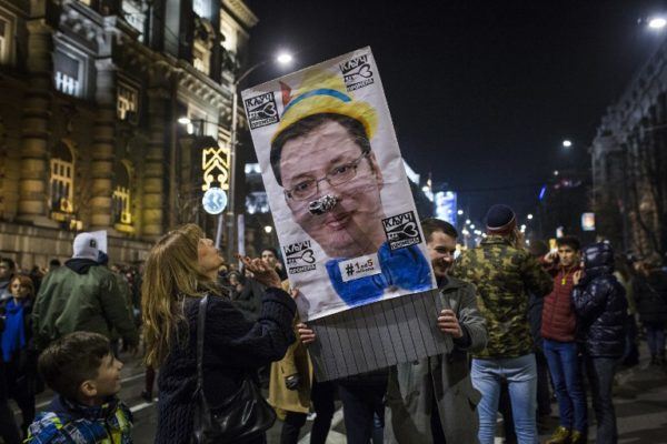 Vučić u krizi, kriza u Vučiću