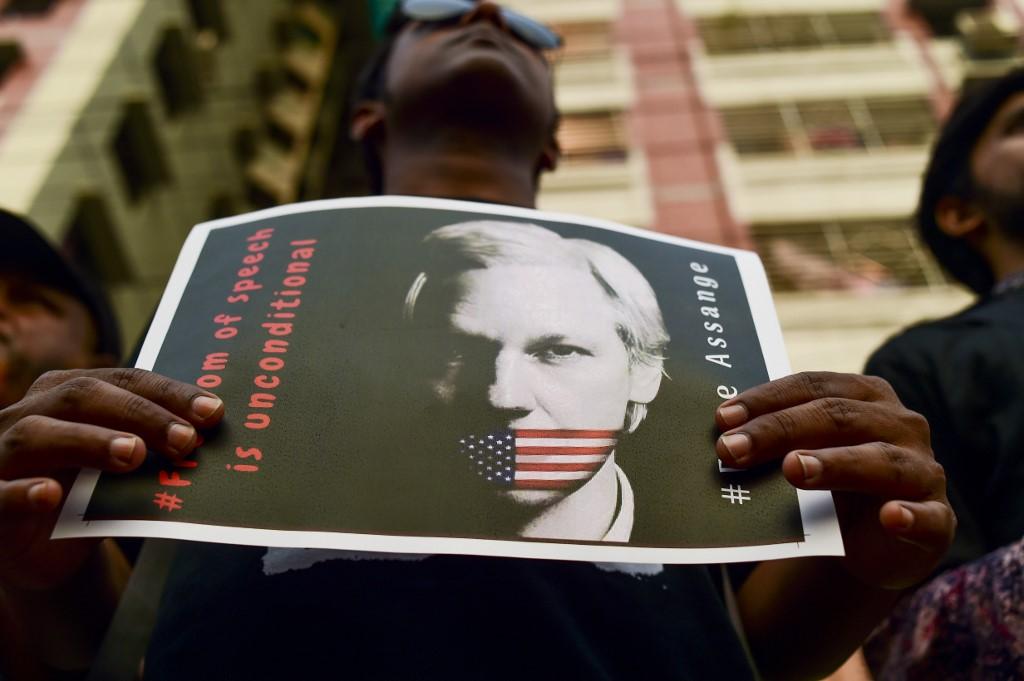 Assange optužen po Zakonu o špijunaži