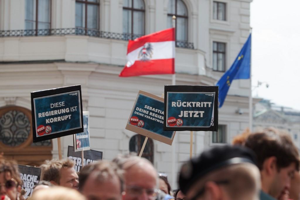 Austrijska ekstremna desnica ne može se riješiti svog osramoćenog lidera