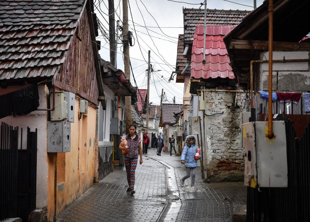 Od nasilja do nasilja: između civilnog društva i države