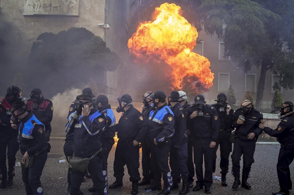 Nova europska politika na Balkanu: batina bez mrkve