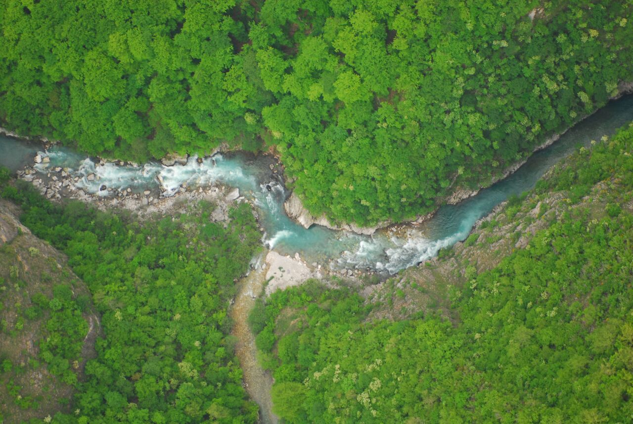 Usred korone investitori potajno grade hidroelektrane