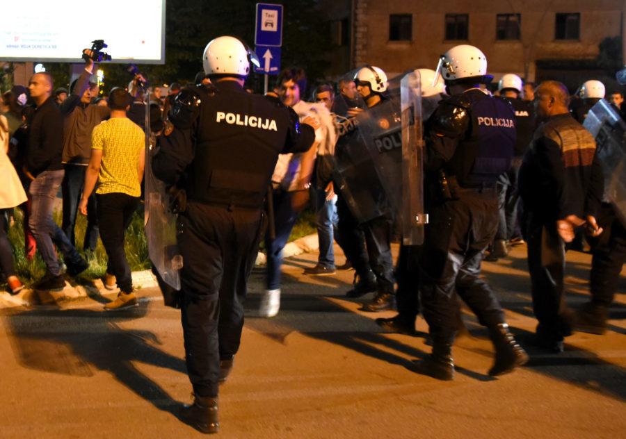 Kad forma izgubi sadržaj: neredi u Crnoj Gori
