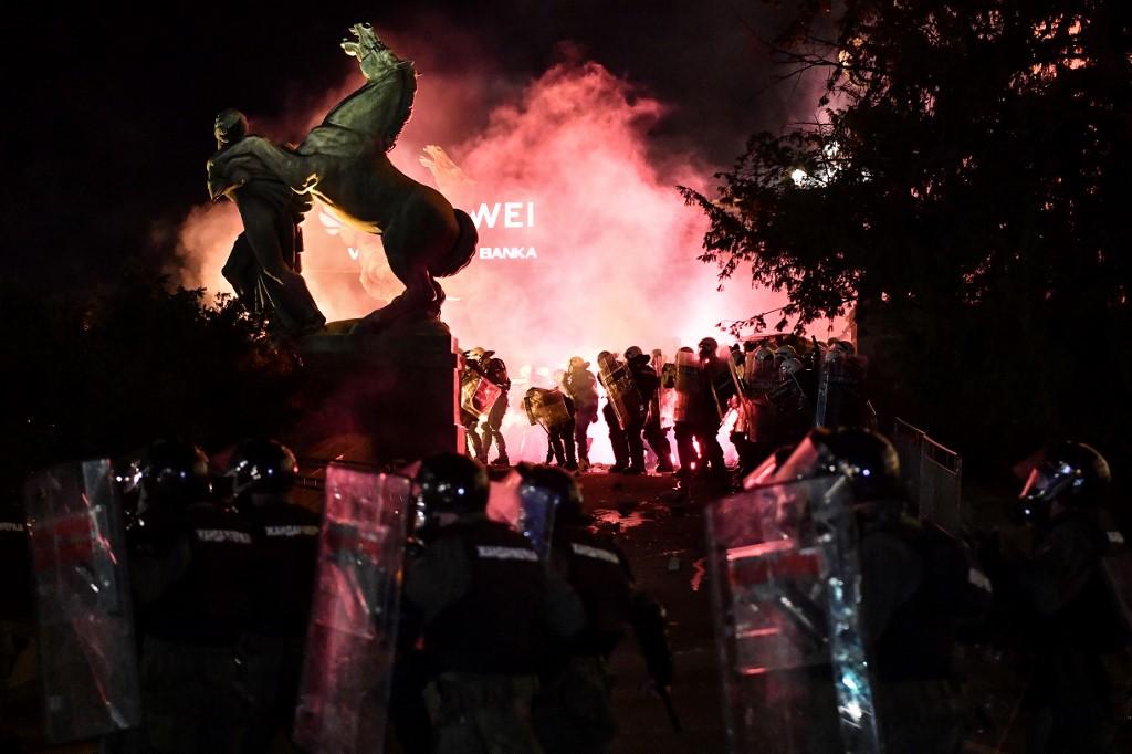 Nekoliko teorija o protestima u Beogradu