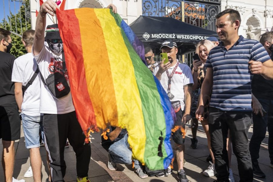 Kažnjen govor mržnje na društvenim mrežama prema LGBTIQ zajednici