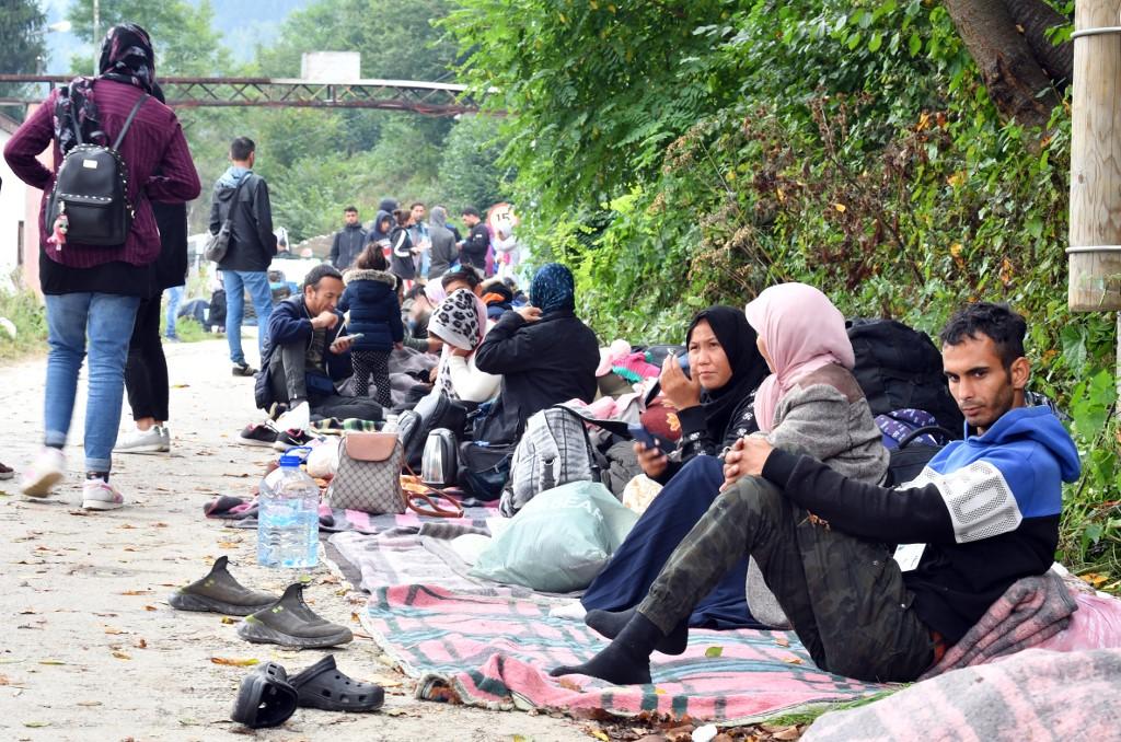 Društvo na rubu nove humanitarne krize