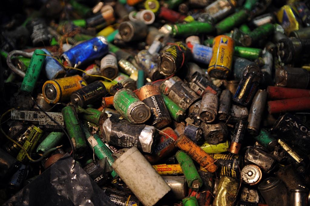 Odlganje opasnog otpada u Srbiji