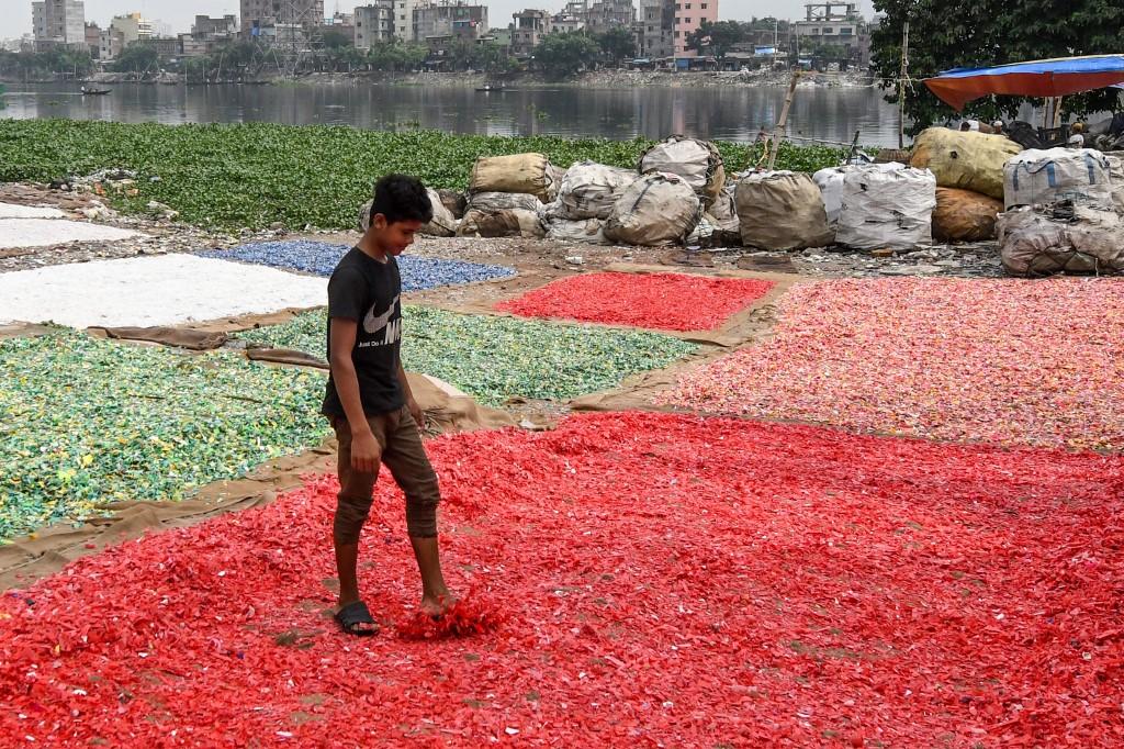 "Ekonomska vulgata ""održive"" plastike"