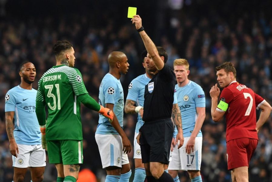 Fudbalom protiv opozicije